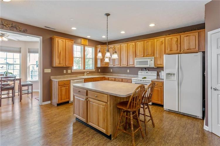 920 SHEETS Court Greenfield, IN 46140 | MLS 21658855 | photo 11