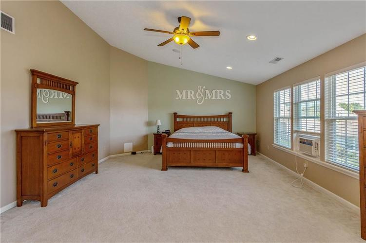 920 SHEETS Court Greenfield, IN 46140 | MLS 21658855 | photo 15