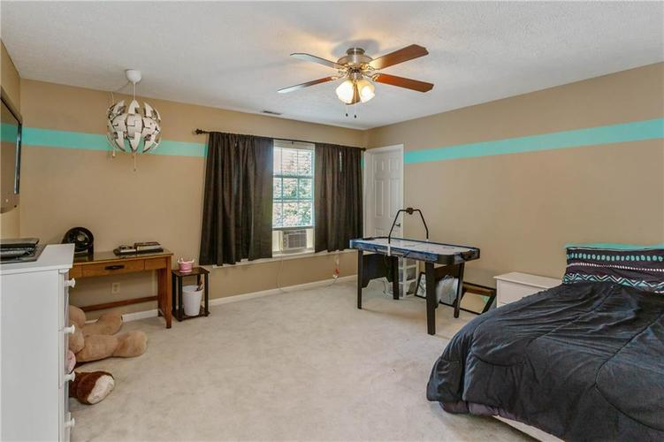 920 SHEETS Court Greenfield, IN 46140 | MLS 21658855 | photo 18