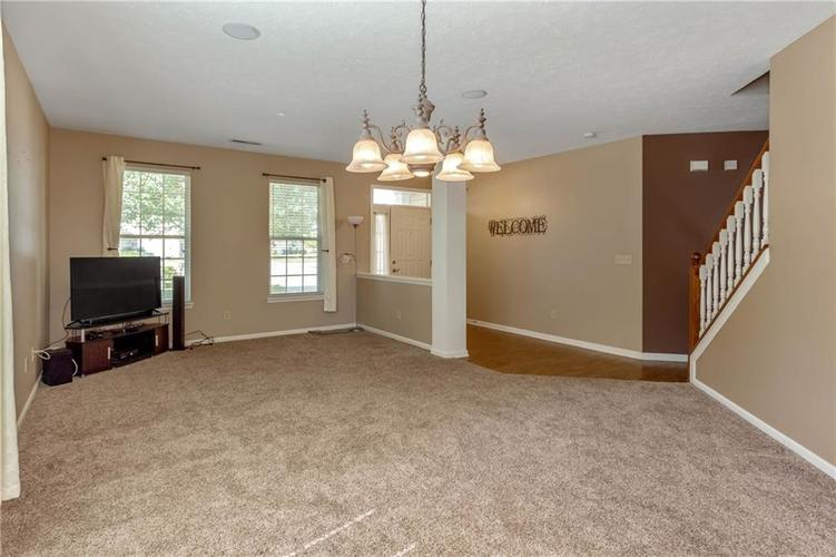 920 SHEETS Court Greenfield, IN 46140 | MLS 21658855 | photo 5