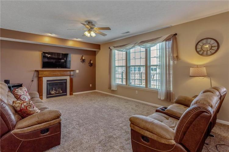 920 SHEETS Court Greenfield, IN 46140 | MLS 21658855 | photo 8