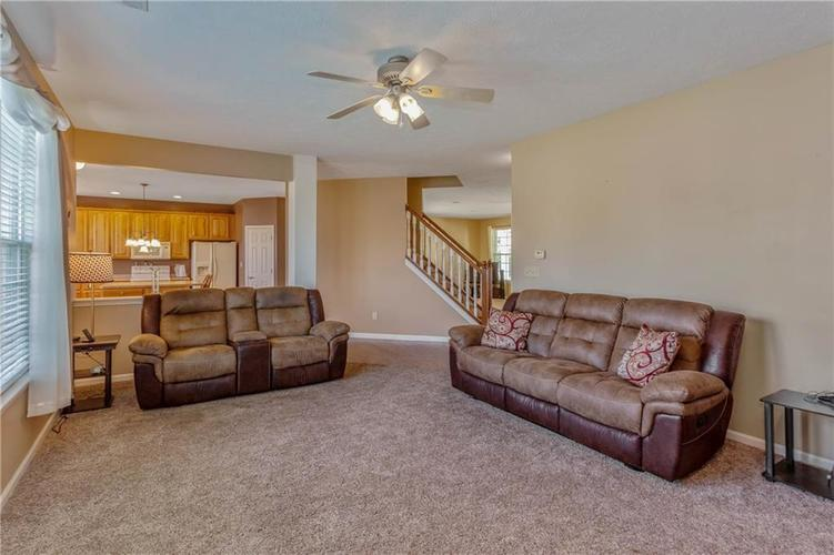 920 SHEETS Court Greenfield, IN 46140 | MLS 21658855 | photo 9