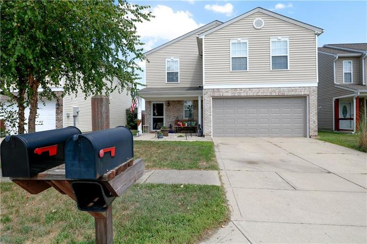 1721 Blue Grass Parkway Greenwood, IN 46143 | MLS 21658861 | photo 1