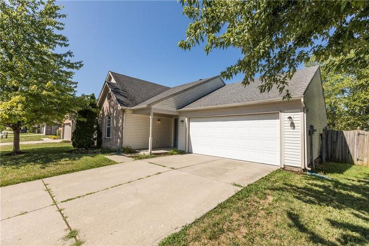 4718 Eagles Watch Lane Indianapolis IN 46254 | MLS 21658868 | photo 1