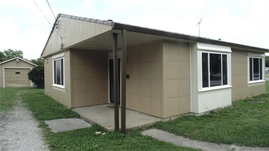 737 S State Street Greenfield, IN 46140 | MLS 21658994 | photo 1