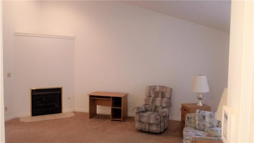 2338 Keystone Court Anderson, IN 46011 | MLS 21659077 | photo 2