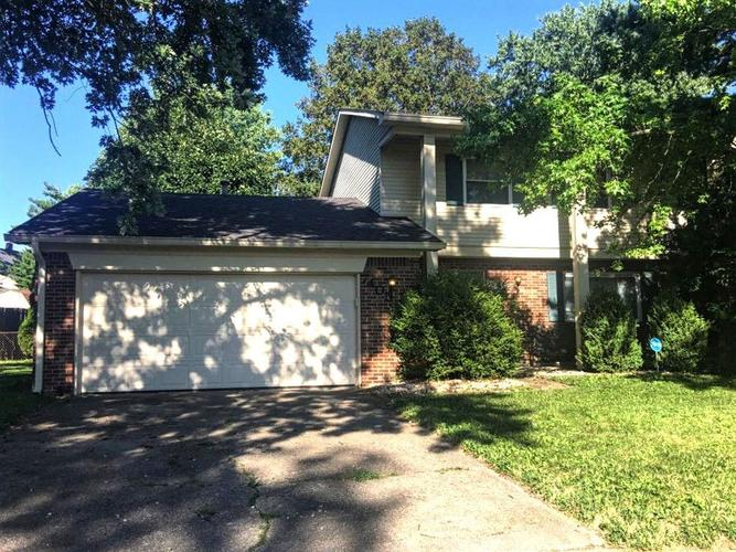 7405  Snowflake Drive Indianapolis, IN 46227 | MLS 21659082