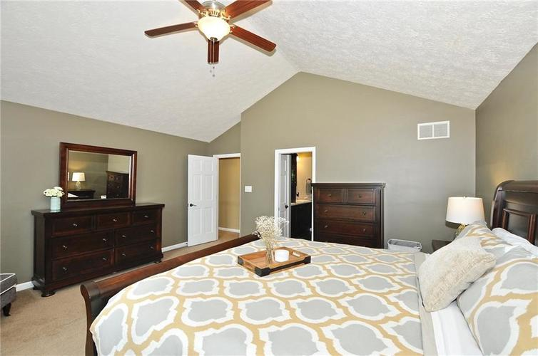 8661 Promontory Road Indianapolis, IN 46236 | MLS 21659110 | photo 10