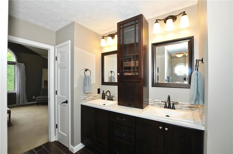 8661 Promontory Road Indianapolis, IN 46236 | MLS 21659110 | photo 11