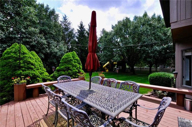 8661 Promontory Road Indianapolis, IN 46236 | MLS 21659110 | photo 2
