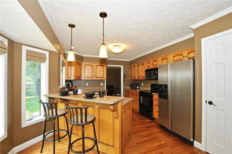 8661 Promontory Road Indianapolis, IN 46236 | MLS 21659110 | photo 7