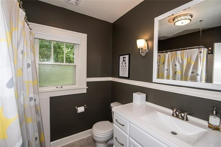 859 W 96th Street Indianapolis, IN 46260 | MLS 21659126 | photo 16