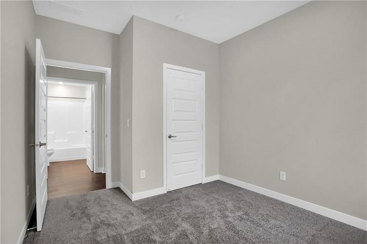 4954 E Amesbury Place Noblesville, IN 46062   MLS 21659144   photo 15