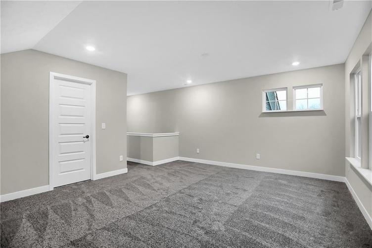 4954 E Amesbury Place Noblesville, IN 46062   MLS 21659144   photo 34
