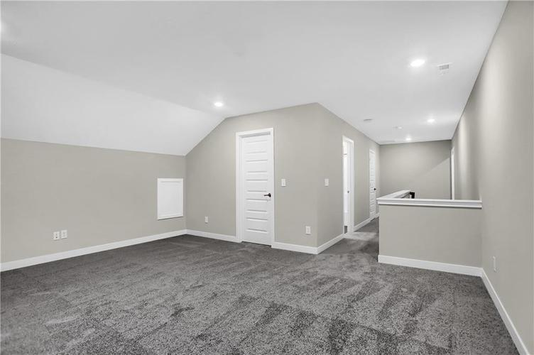 4954 E Amesbury Place Noblesville, IN 46062   MLS 21659144   photo 35