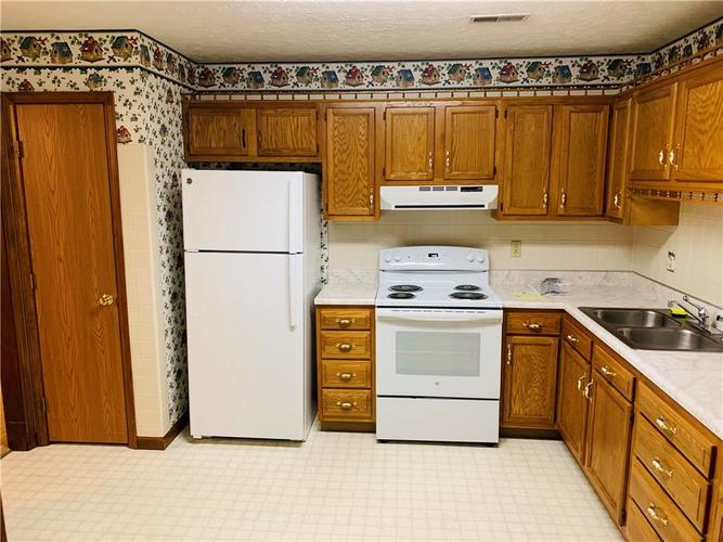 466 INA Circle #466 Franklin, IN 46131 | MLS 21659196 | photo 5