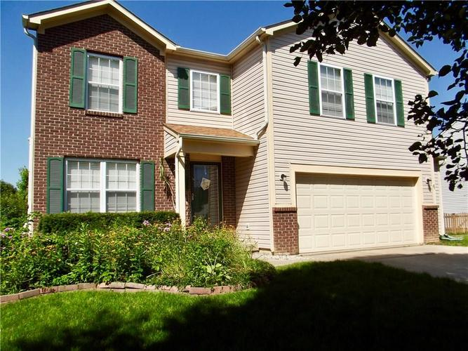 1220 Constitution Drive Indianapolis, IN 46234 | MLS 21659218 | photo 2
