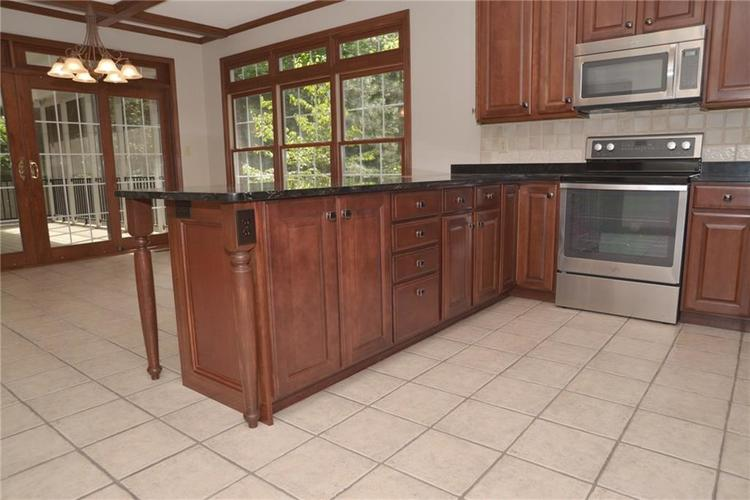 3271 Highpoint Court Greenwood, IN 46143 | MLS 21659228 | photo 14