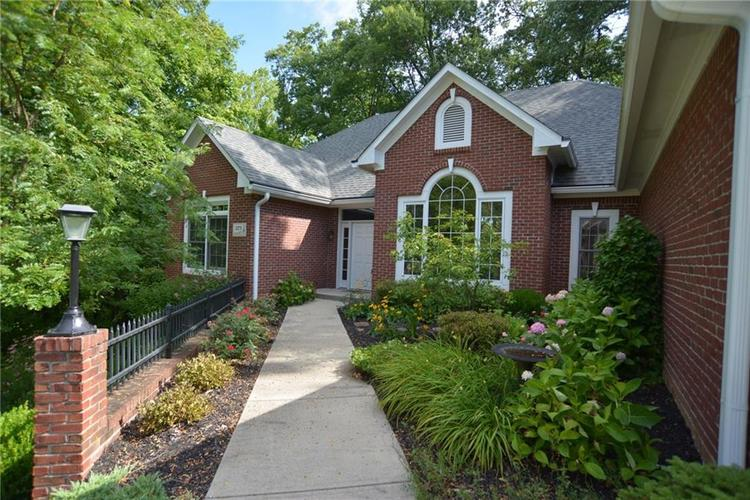 3271 Highpoint Court Greenwood, IN 46143 | MLS 21659228 | photo 2