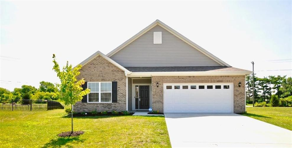 2689 Shadowbrook Trace Greenwood IN 46143 | MLS 21659238 | photo 1