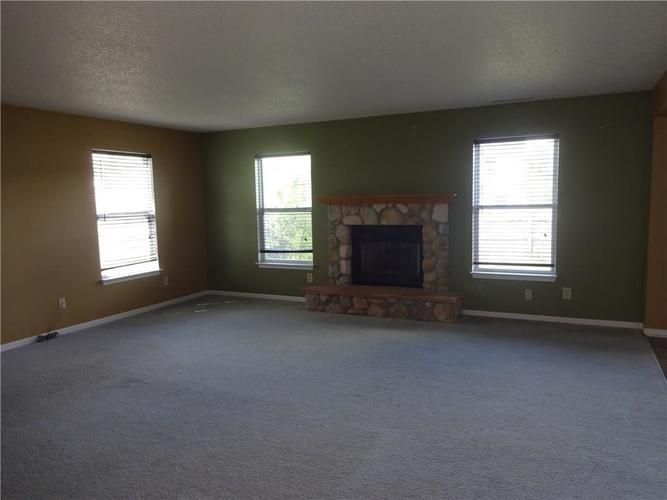 8630 Blooming Grove Drive Camby, IN 46113   MLS 21659297   photo 3