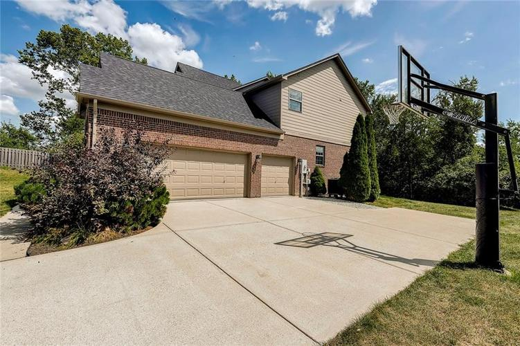 14693 CAPULIN Court Fishers, IN 46040 | MLS 21659309 | photo 2