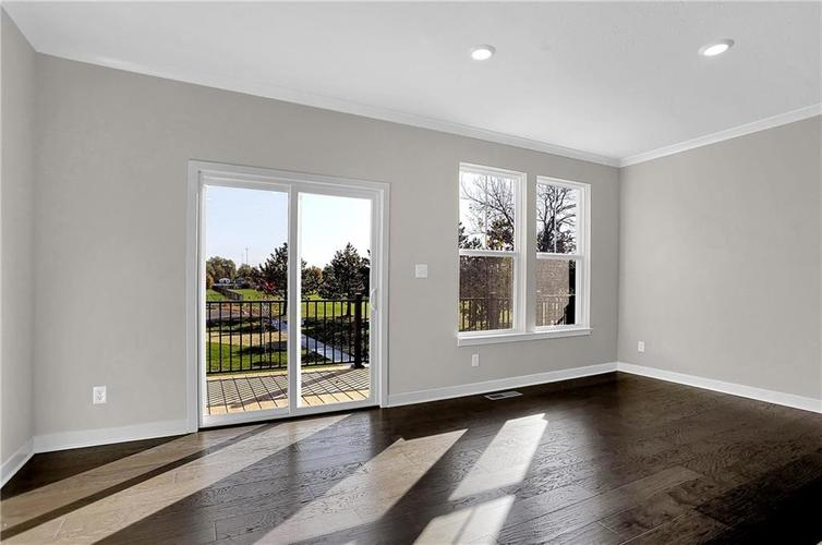 1539 Omar Drive Indianapolis, IN 46202 | MLS 21659354 | photo 15