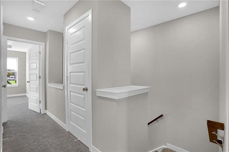 1539 Omar Drive Indianapolis, IN 46202 | MLS 21659354 | photo 19