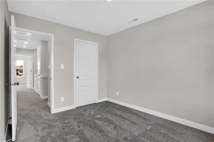 1539 Omar Drive Indianapolis, IN 46202 | MLS 21659354 | photo 26
