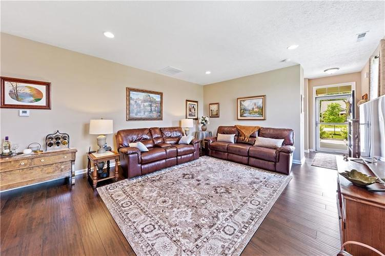 4334 Yarrow Court Indianapolis, IN 46237 | MLS 21659383 | photo 4