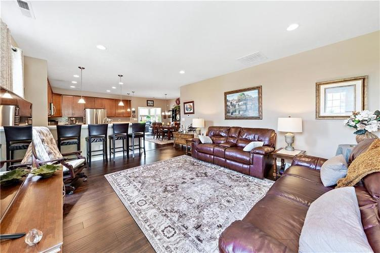 4334 Yarrow Court Indianapolis, IN 46237 | MLS 21659383 | photo 5