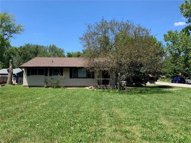 7324 North Drive Indianapolis, IN 46226 | MLS 21659442 | photo 1