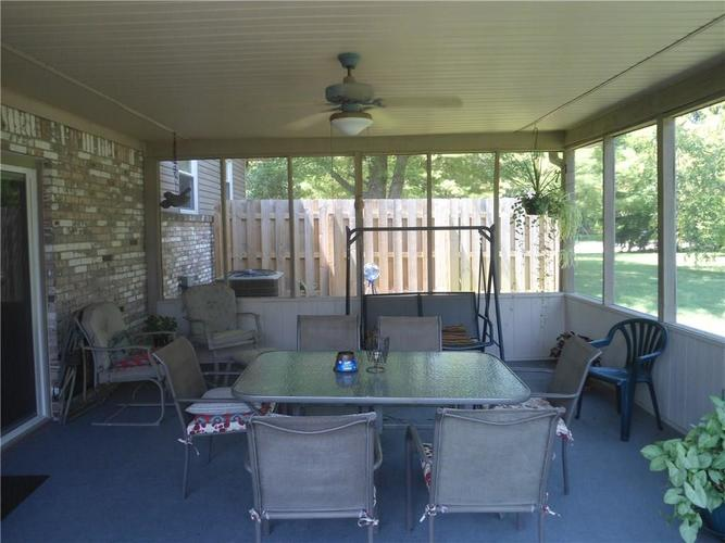 000 Confidential Ave.Indianapolis, IN 46237 | MLS 21659472 | photo 10
