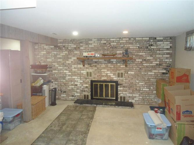 000 Confidential Ave.Indianapolis, IN 46237 | MLS 21659472 | photo 20