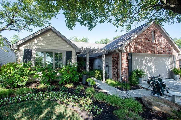 9984 Gwin Drive Indianapolis, IN 46280 | MLS 21659473 | photo 1