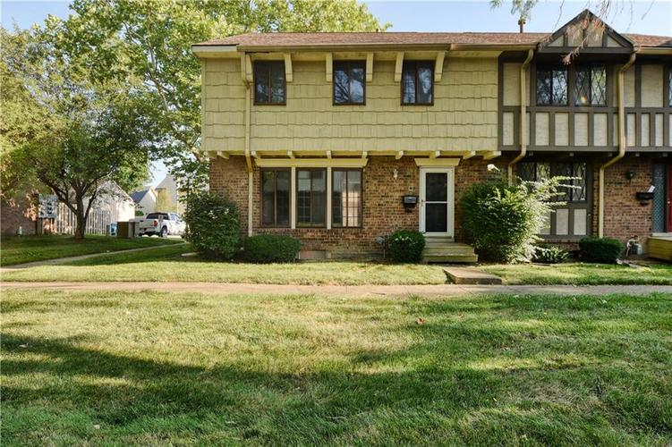 8013 E 20TH Street Indianapolis, IN 46219 | MLS 21659495