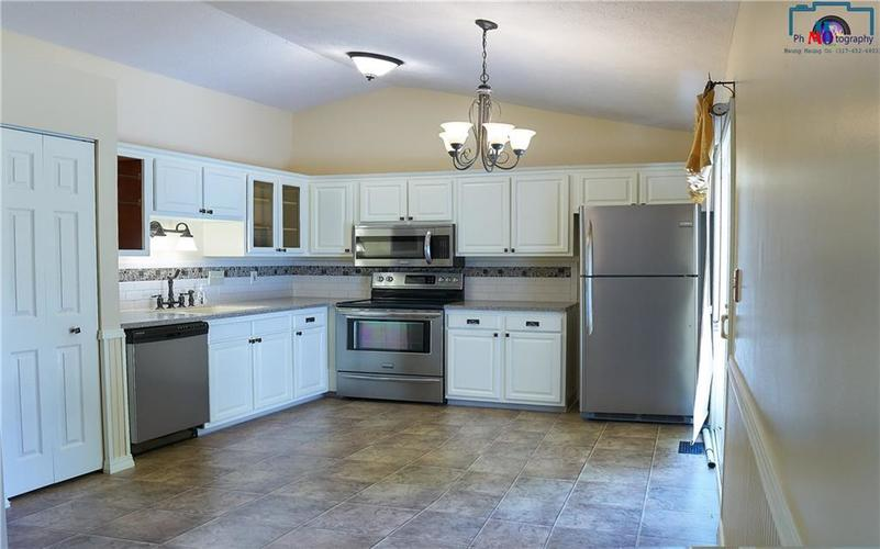 8884 Summer Walk Drive W Indianapolis, IN 46227 | MLS 21659546 | photo 11