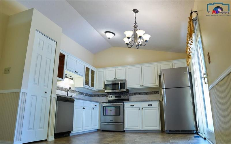 8884 Summer Walk Drive W Indianapolis, IN 46227 | MLS 21659546 | photo 13