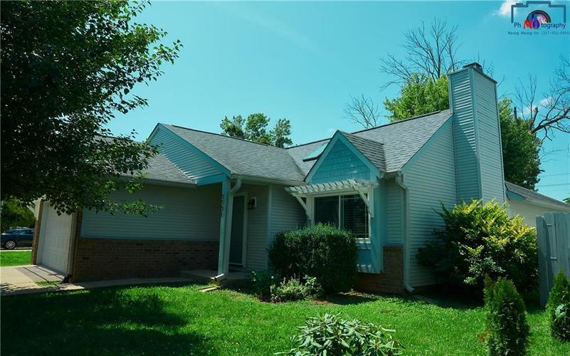 8884 Summer Walk Drive W Indianapolis, IN 46227 | MLS 21659546 | photo 2