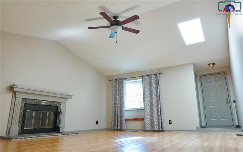 8884 Summer Walk Drive W Indianapolis, IN 46227 | MLS 21659546 | photo 4