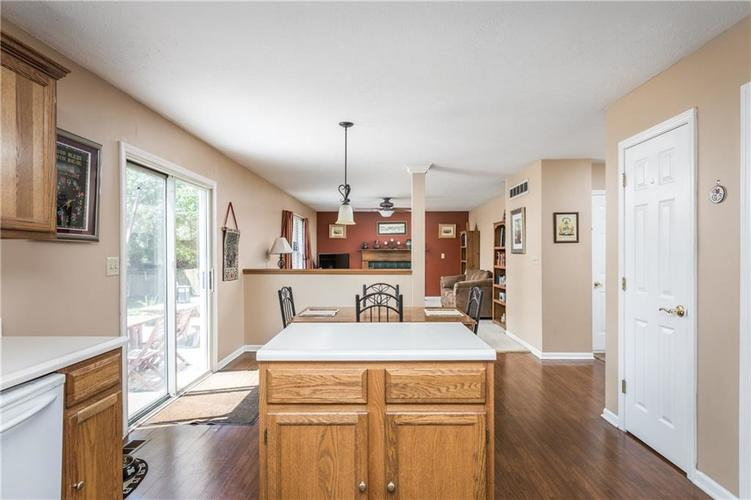 12543 GEIST COVE Drive Indianapolis, IN 46236 | MLS 21659566 | photo 11