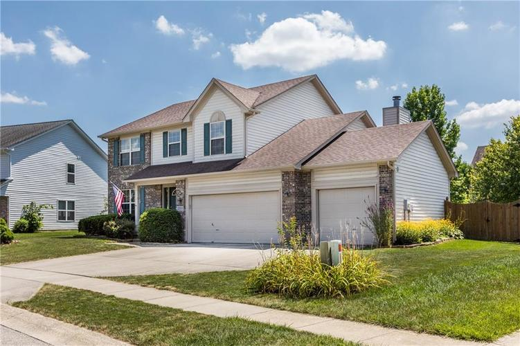 12543 GEIST COVE Drive Indianapolis, IN 46236 | MLS 21659566 | photo 2