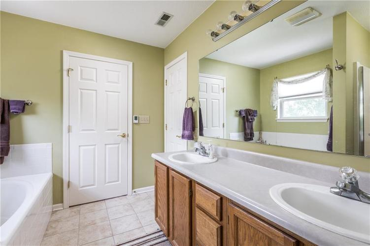 12543 GEIST COVE Drive Indianapolis, IN 46236 | MLS 21659566 | photo 20