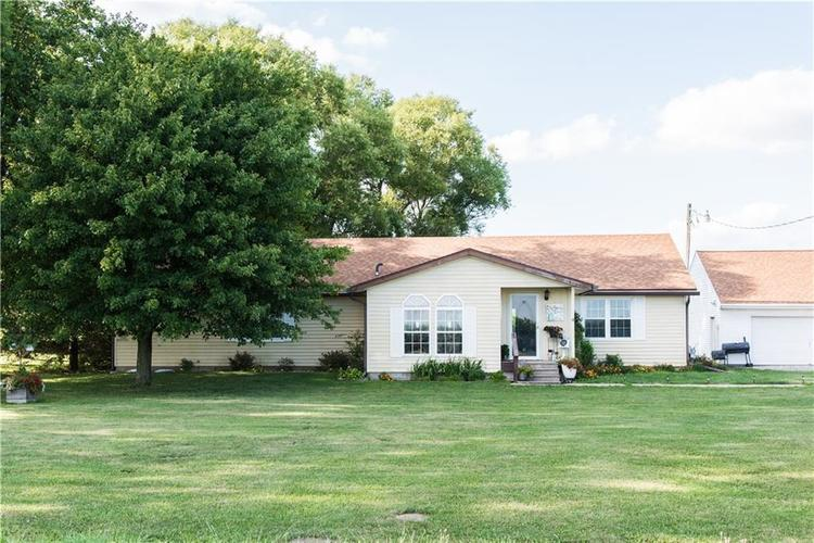 7236 E 850 N Sheridan, IN 46069 | MLS 21659723 | photo 1