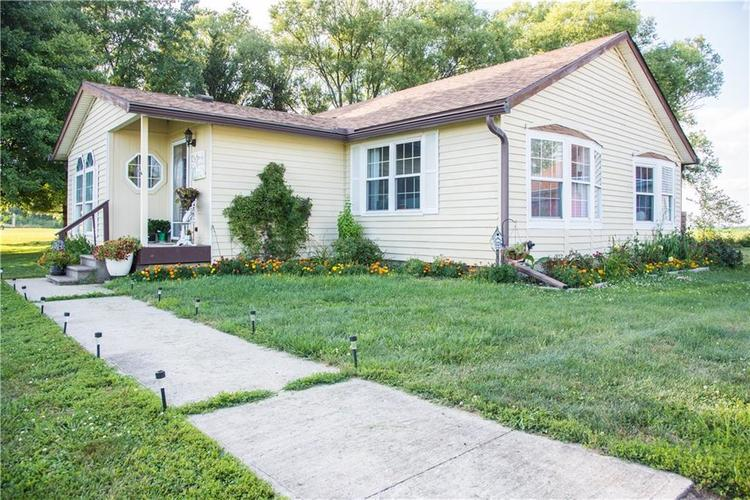 7236 E 850 N Sheridan, IN 46069 | MLS 21659723 | photo 2