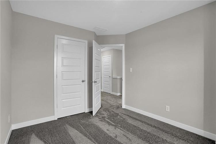 1541 Omar Drive Indianapolis, IN 46202 | MLS 21659736 | photo 26