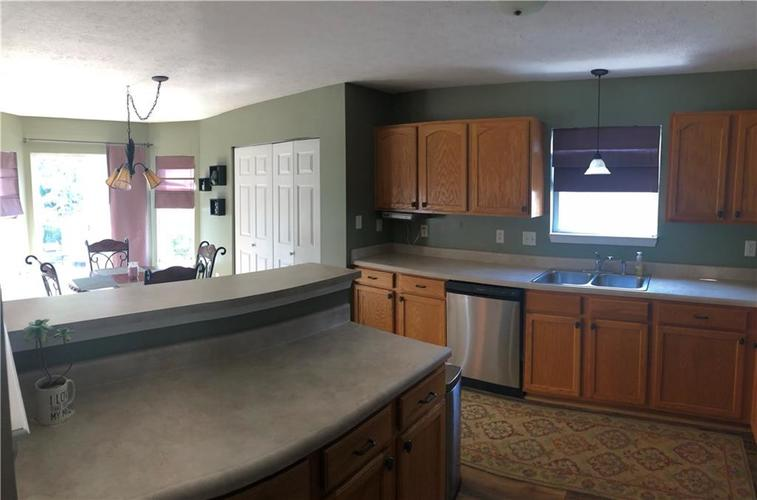 12101 Princewood Court Fishers, IN 46037 | MLS 21659767 | photo 10