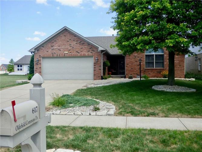 617  OLDEFIELD COMMONS Drive Greenwood, IN 46142 | MLS 21659779