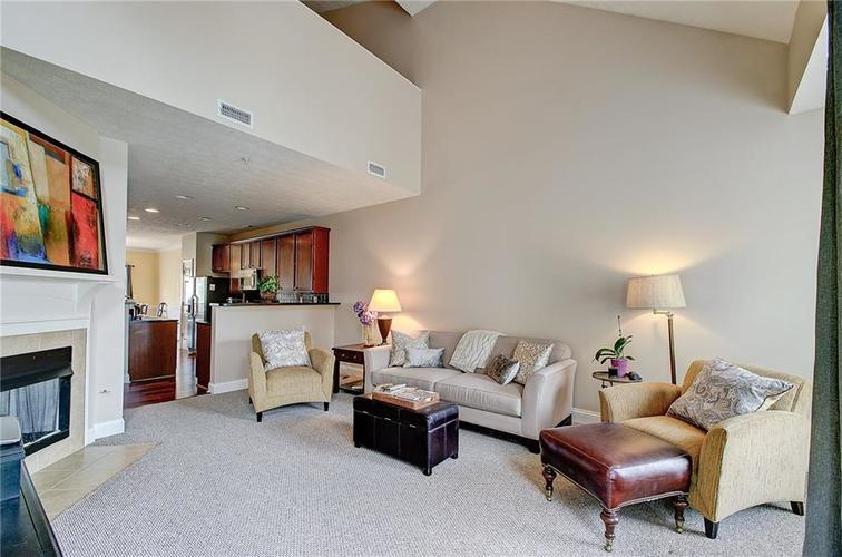 1107 RESERVE Way Indianapolis, IN 46220 | MLS 21659780 | photo 4