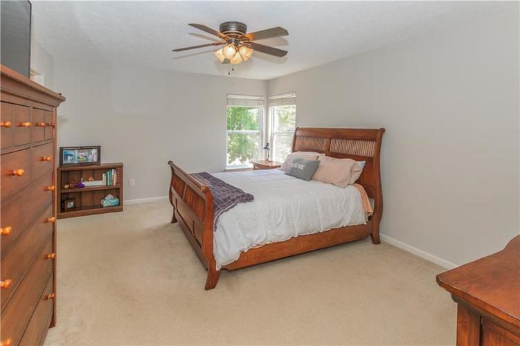 6287 Canterbury Drive Zionsville, IN 46077 | MLS 21659792 | photo 13